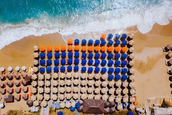 ТОП-6 мест, где можно открыть пляжный сезон в мае