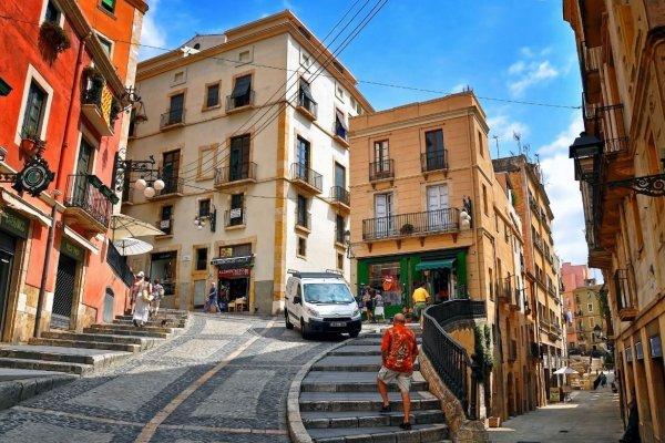 Куда поехать из Барселоны: 7 идей для поездок по Каталонии