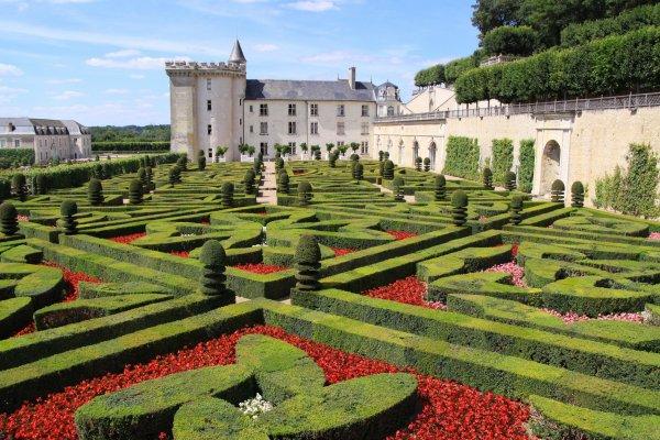 Королевская роскошь: 10 самых интересных замков долины Луары