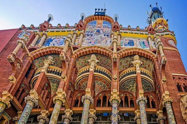 ТОП-8 необычных достопримечательностей Барселоны