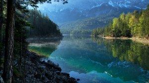 Песни у костра и каша из котелка: 10 мест для отдыха с палаткой в Украине