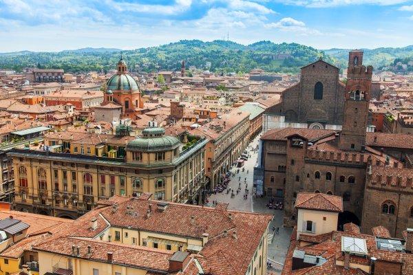 Итальянские каникулы: в Болонью за €70