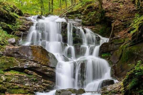 Это нужно видеть: водопады Украины, которые поражают красотой