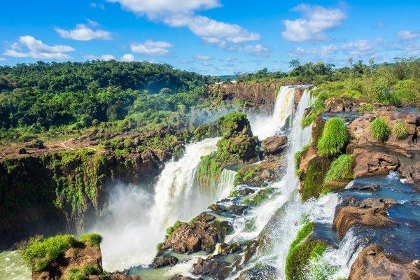 Ещё одна страна открыла границы для туристов со всего мира