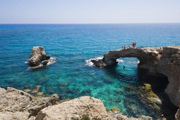 Кипр изменил дату, когда начнут впускать украинских туристов