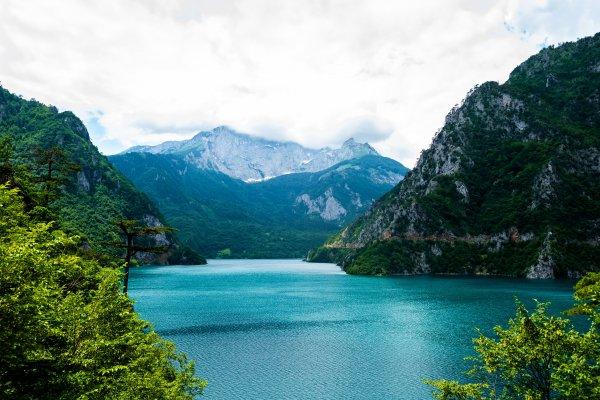 Черногория меняет правила въезда для украинцев