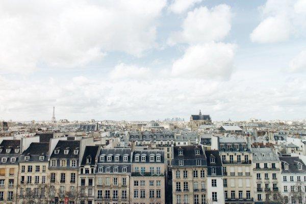 Франция готова открываться для туристов: названы даты