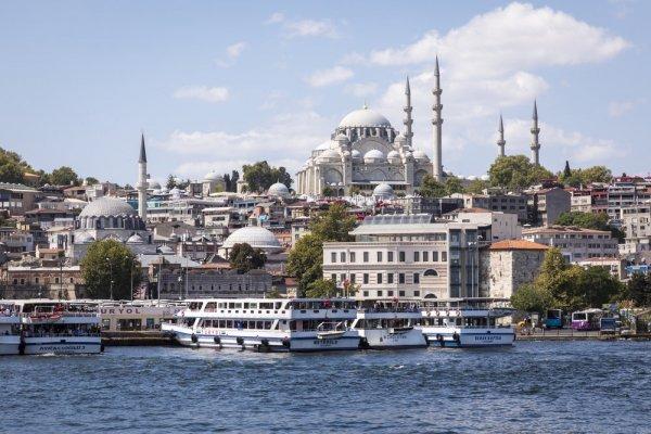 В Турции объявили полный локдаун: как ограничения вводят?