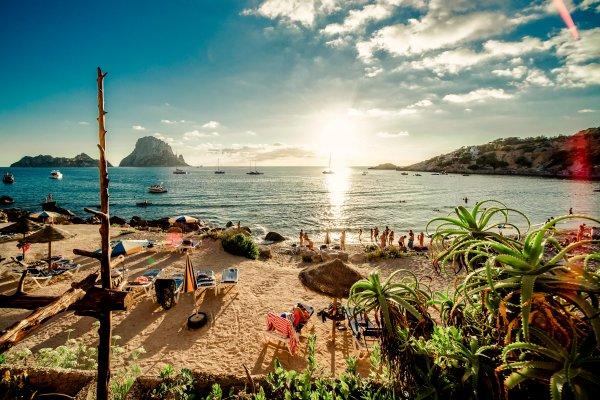 Испания открывается для туристов, но есть один нюанс