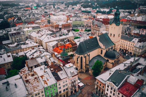 Украина вводит обязательное тестирование для путешественников из 4 стран