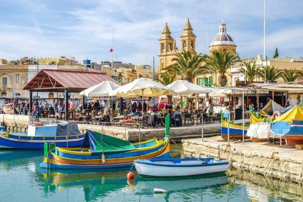 Украина и Мальта сняли все ограничения на авиасообщение