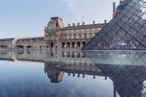 Франция изменила условия въезда для украинских туристов