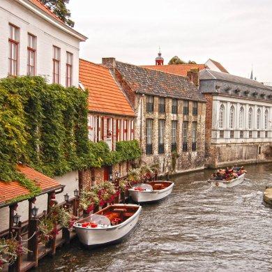 Канал и дома в Брюгге
