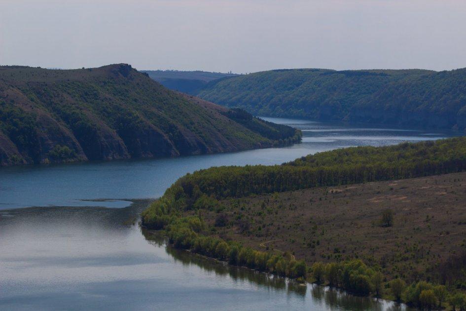 Река в парке Подольские Товтры