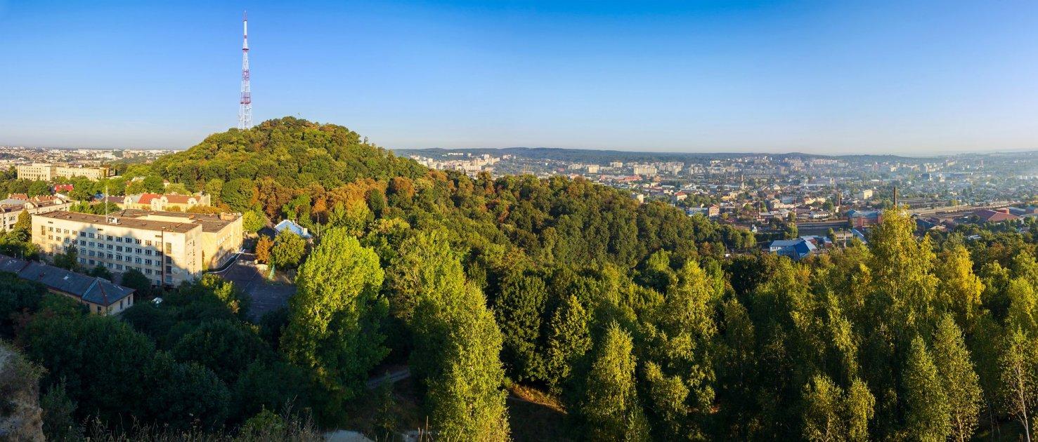 Вид на парк Высокий замок во Львове