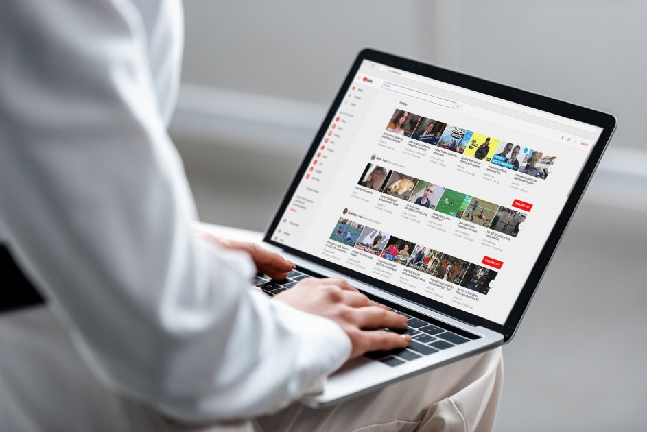 Просмотр ленты Ютуб на ноутбуке