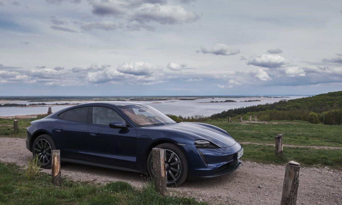 Поездка на электромобиле Porsche Taycan, Витачов