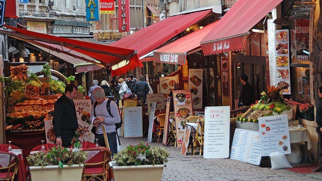 Улица Rue des Bouchers - Бюссель