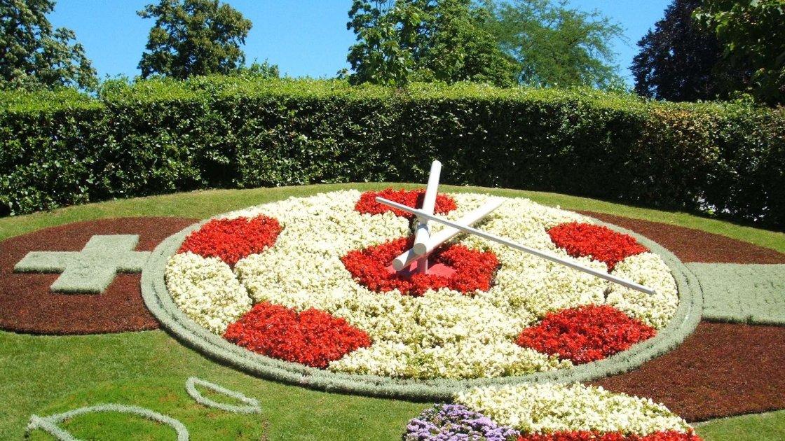 Квітковий годинник в Женеві