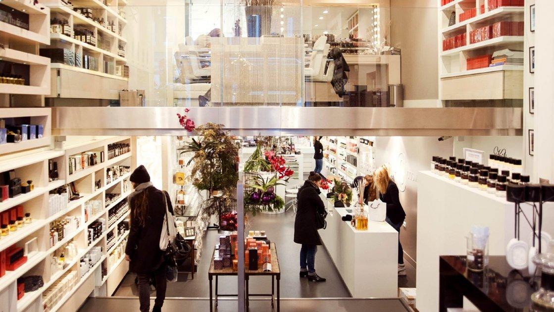 Это большая шопинг-зона в центре Амстердама, со множеством магазинов,  бутиков, кофеен и ресторанов. Все — от винтажных вещей до самых современных  нарядов, ... c964480854b