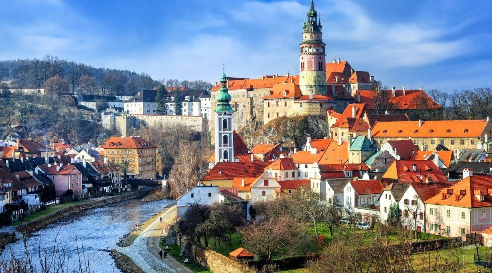 Как уехать в чехию на работу 2018 какие налоги платят в европе организации