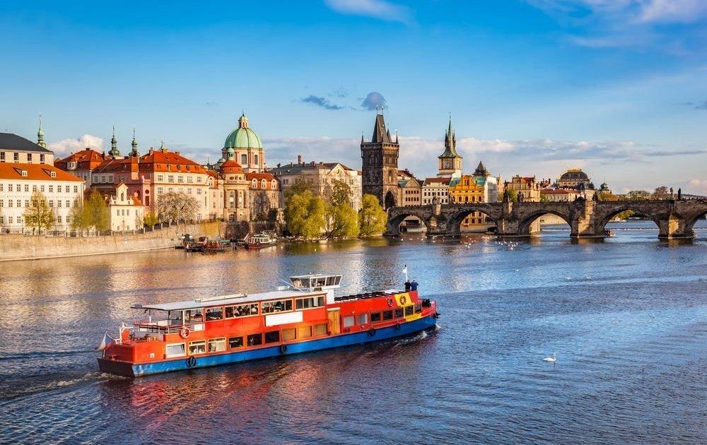 Как переехать в чехию с семьей купить вилла в хорватии
