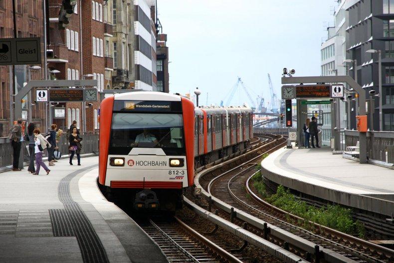Станции u-bahn Баумвалль в Гамбурге