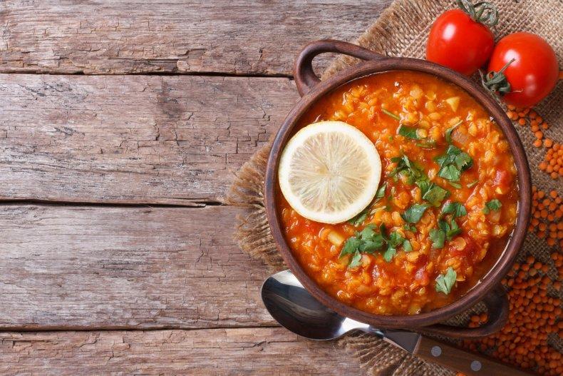 Красный суп чечевицы