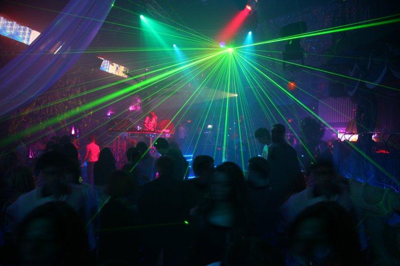 Сколько стоит сходить ночной клуб охрана в фитнес клуб в москве