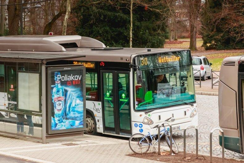 Автобус на остановке в Страсбурге