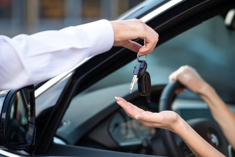 Положительные стороны проката автомобиля без водителя