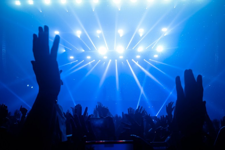 Танцы в ночном клубе в Вене