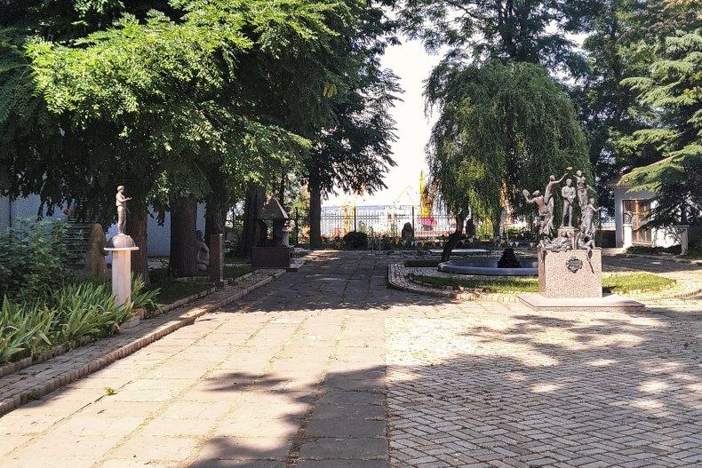 Сад скульптур Литературного музея в Одессе