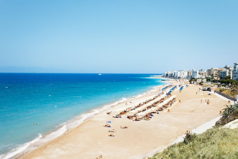пляж Родоса летом