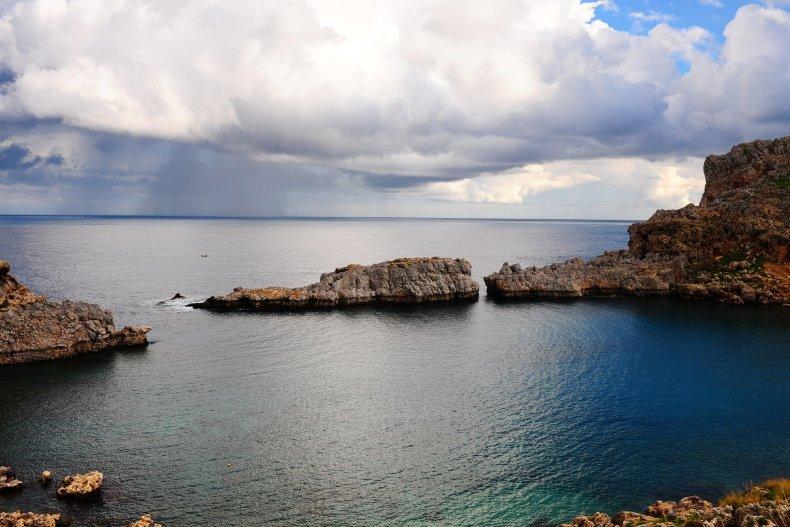 шторм на море, Родос