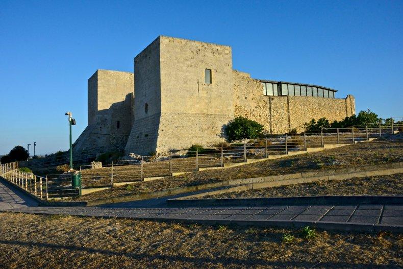 Крепость Сан-Микеле.