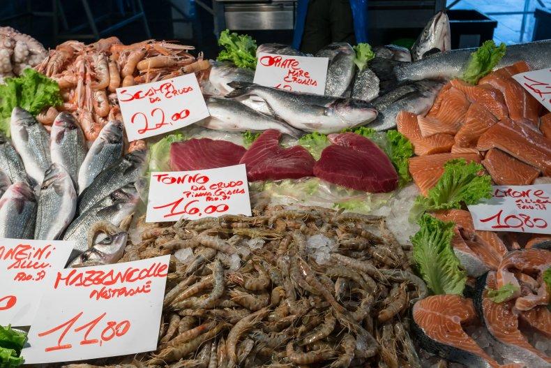 Морепродукты на рынке Аркашона